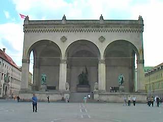 ミュンヘン:  ドイツ:      Odeonsplatz