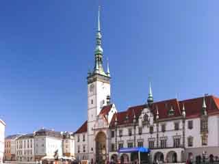 捷克共和国:      奥洛穆茨