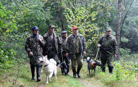 Hunting in Belarus attracts hunters from all over the world. Here one can hunt about two dozen spices of animals and three dozen spices of birds (hunting reserves occupy about 20 million hectares)