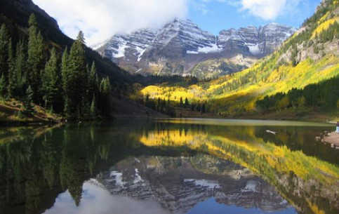 Mountain State of Colorado is rich in beautiful cities, national parks, rivers and lakes, canyons and waterfalls - expanse for tourism