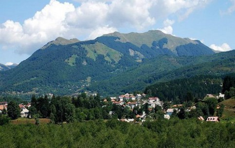 Thank to beauty of nature, diverse mountain terrain and favorable climate, Kolasin is very popular among fans of ecotourism, skiing, and other forms of active leisure