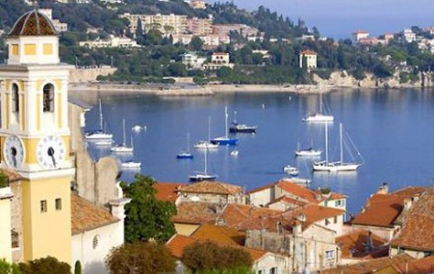 Provence-Alpes-Côte d'Azur offers unlimited opportunities for tourism: skiing in the Southern Alps, water and air sports, yachting; Natural parks and gardens; museums, city-fortresses, castles and historical centres