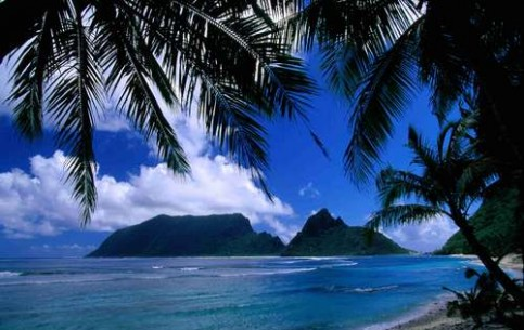 Perfect vacations in Samoa: luxury beaches; available sports options: bungy jumping, biking, rafting, climbing, diving, horse trekking, paragliding and adventure tours
