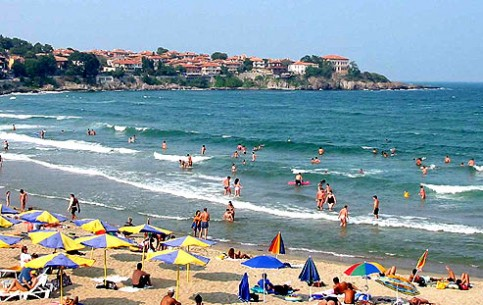 The old part of the city of Sozopol is an architectural reserve. To the south of the city there are two magnificent beaches with golden sand