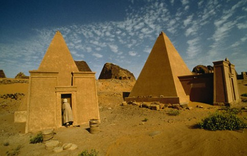Sudan is a country with hot climate, diverse nature, rich in wildlife and ancient monuments of history