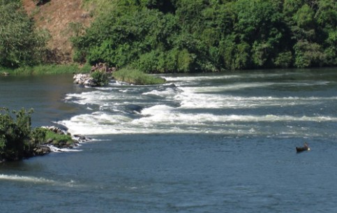 Lovers of extreme tourism will certainly enjoy white-water rafting on headwaters of the Nile, with lots of rocky rapids and waterfalls. There are mountains for mountaineers in Uganda. Thrill of another kind? - Bungy jumping