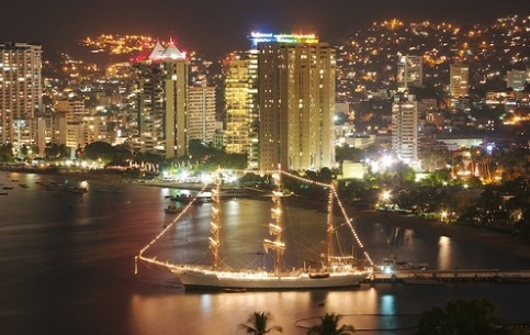 Acapulco - the oldest and the most famous Mexican's resort,