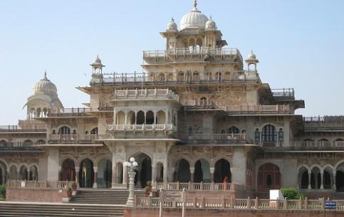ジャイプル:  ラージャスターン州:  インド:      Albert Hall Museum