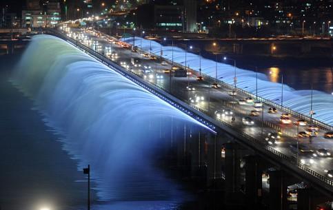 Сеул:  Южная Корея:      Мост-фонтан Банпо