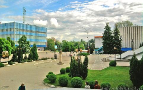 モルドバ:      バルツィ