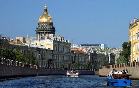 St. Petersburg:  Russia:      Boat Cruise in St. Petersburg