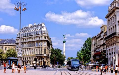 Aquitaine:  France:      Bordeaux