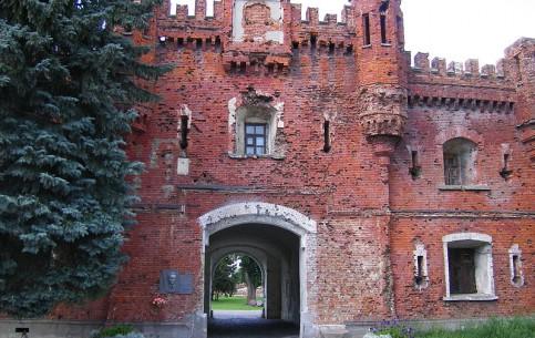 布列斯特:  白俄罗斯:      Brest Fortress
