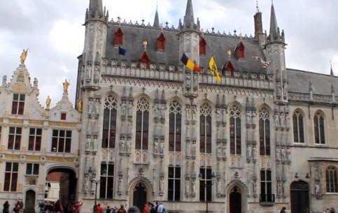 Брюгге:  Бельгия:      Площадь Бург