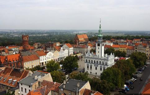 波兰:      Chełmno