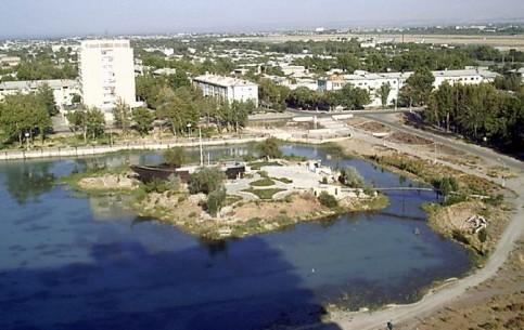 タジキスタン:      Chkalovsk