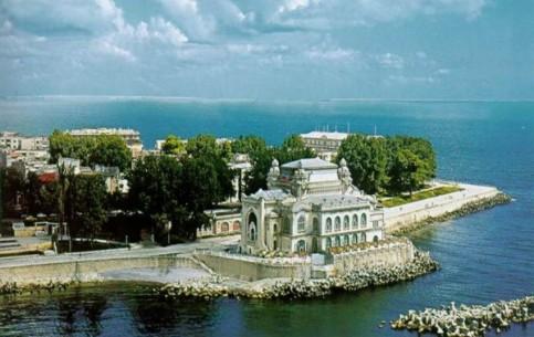 罗马尼亚:      康斯坦察