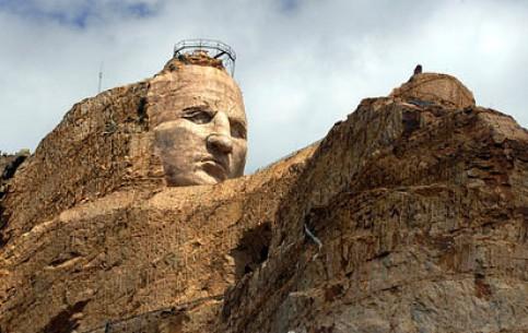 Южная Дакота:  Соединённые Штаты Америки:      Мемориал Неистового Коня