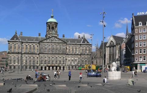 Амстердам:  Нидерланды:      Площадь Дам