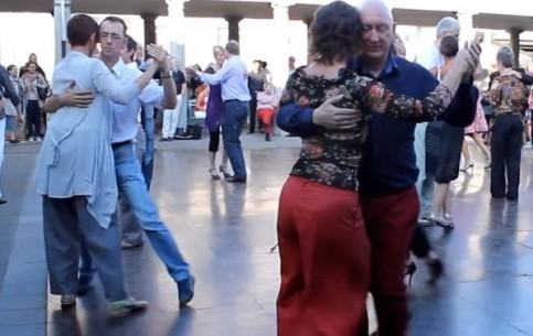 布鲁日:  比利时:      Dancing in Brugge