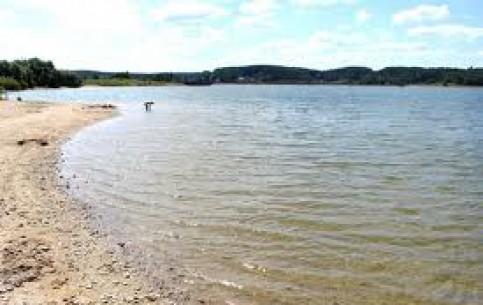 ミンスク:  ベラルーシ:      Dubrovsky Reservoir