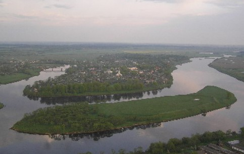 ヴィーツェプスク:  ベラルーシ:      Dzisna