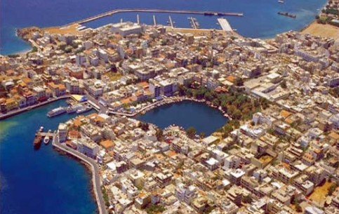 Crete, island:  ギリシャ:      Elounda