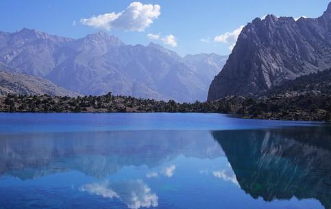 塔吉克斯坦:      Fann Mountains