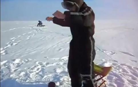 普斯科夫州:  俄国:      Fishing on Lake Peipus