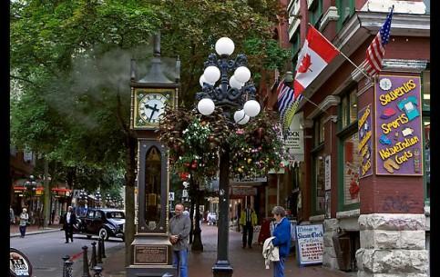 バンクーバー_(ブリティッシュコロンビア州):  British Columbia:  カナダ:      Gastow Steam Clock