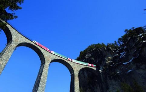 スイス:      Glacier Express
