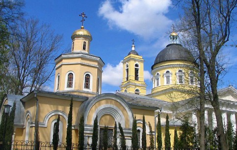 Gomel is an ancient and eternally young city on the bank of Sozh river. Historical monuments, wonderful architecture of different epochs, the famous palace and park complex