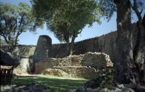 ジンバブエ:      グレート・ジンバブエ遺跡