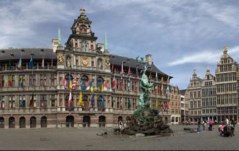 Антверпен:  Бельгия:      Площадь Гроте-Маркт