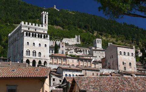 Умбрия:  Тоскана:  Италия:      Губбио