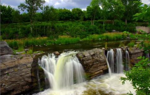 オタワ:  Ontario:  カナダ:      Hog's Back Falls