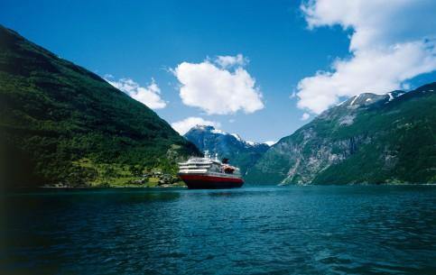 Norway:      Hurtigruten cruise