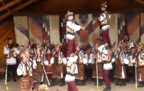 Ивано-Франковск:  Украина:      Танцы гуцулов