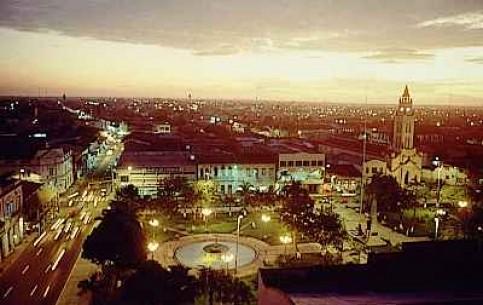 ペルー:      イキトス