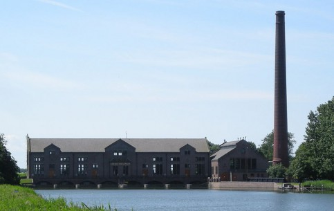 Netherlands:      Ir.D.F. Woudagemaal
