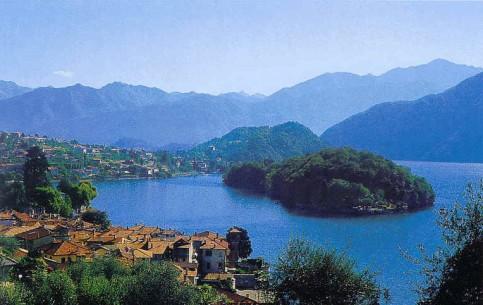 Lombardia:  イタリア:      Isola Comacina