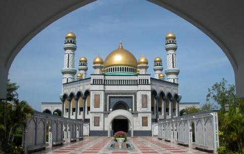 Bandar Seri Begawan:  ブルネイ:      Jame'asr Hassanil Bolkiah mosque