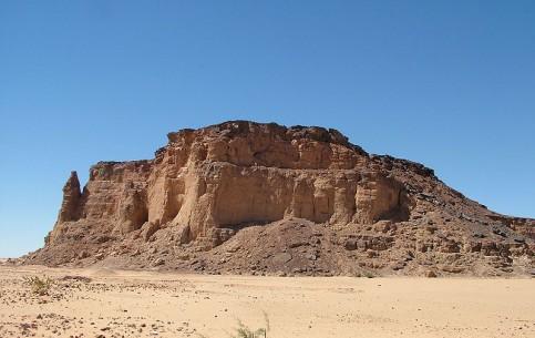 苏丹:      博爾戈爾山