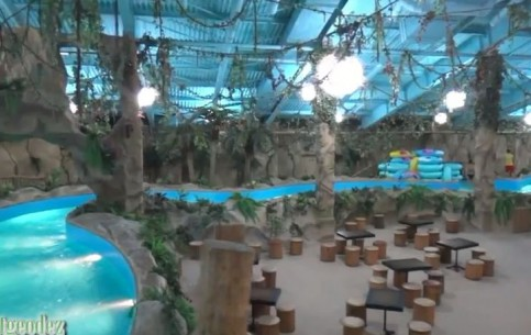 Kiev:  Ukraine:      Jurassic Aquapark