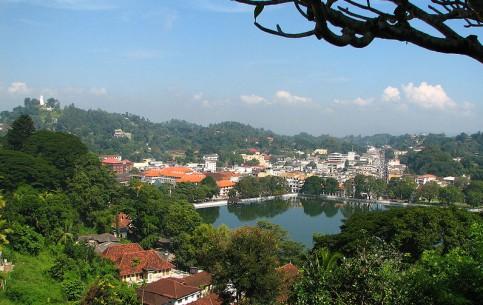 سريلانكا:      كاندي (مدينة)