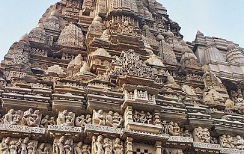 الهند:  ماديا براديش:      Khajuraho Group of Monuments