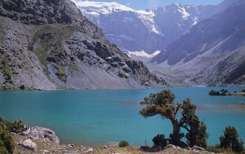 塔吉克斯坦:      Koulikalon Lakes