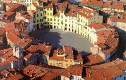 Toscana:  イタリア:      Lucca