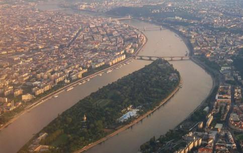 Budapest:  Hungary:      Relaxation on Margaret Island