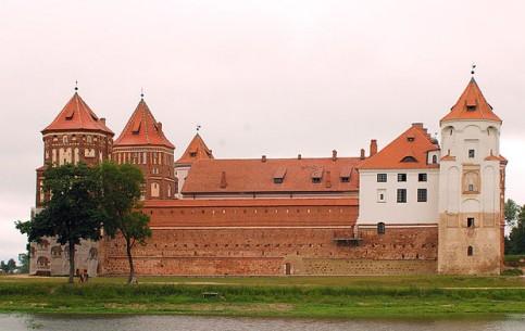 フロドナ:  ベラルーシ:      ミール地方の城と関連建物群